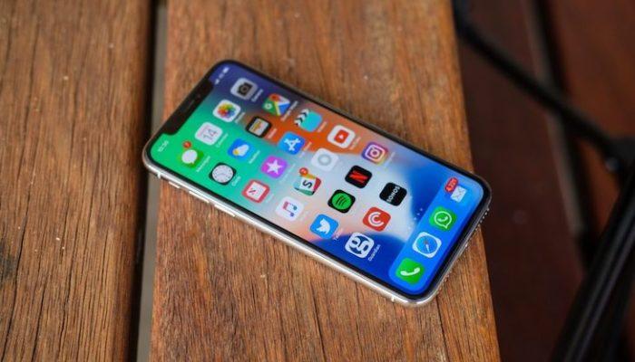 سامسونج لن تكون المصنّع الوحيد لشاشة OLED الخاصة بالآيفون هذه السنة!