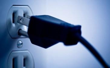 كيفية حماية أجهزتك الكهربائية من الجهد المرتفع بأقل تكلفة!