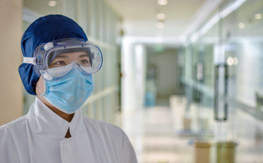 Healthcare_workers_wearing_PPE-5a