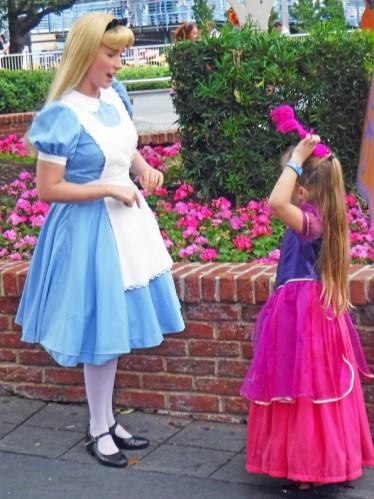Alice e mais princesas.