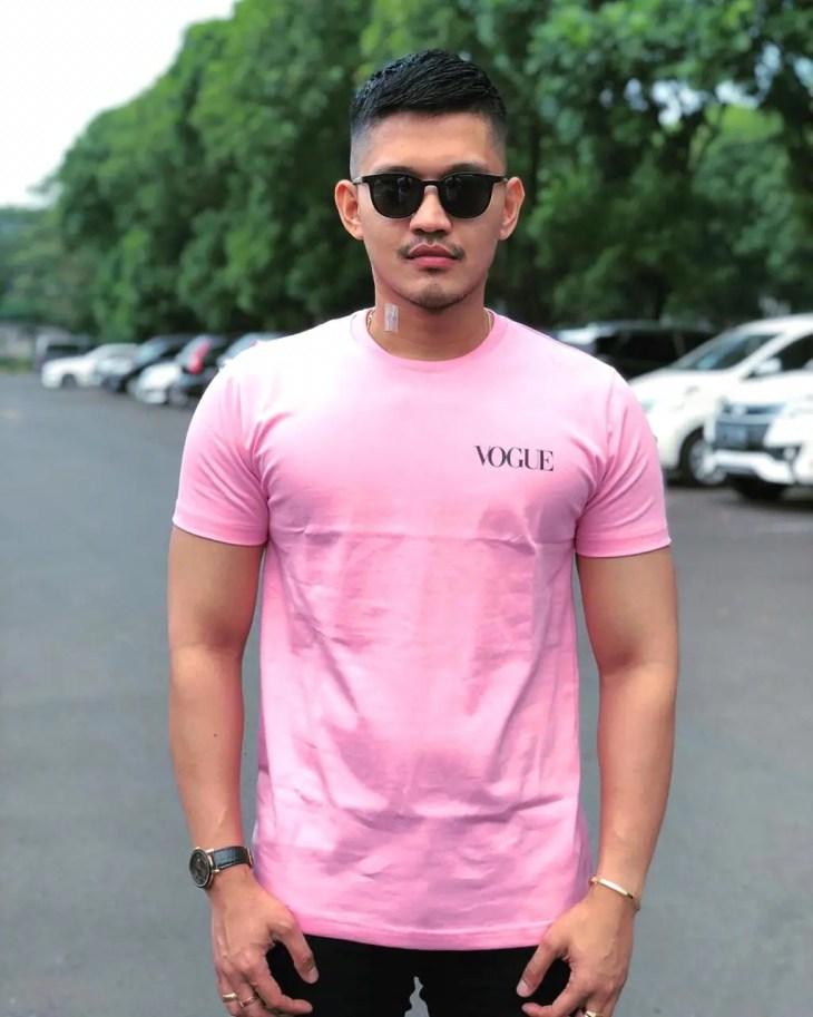 kaos simpel pink