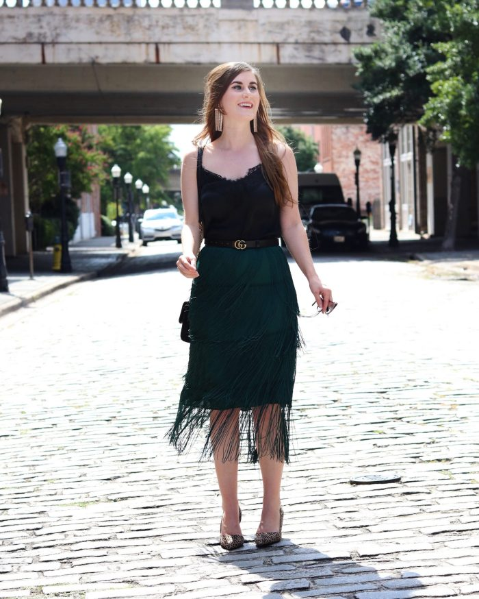 TIERED FRINGE SKIRT   Shein TIERED FRINGE SKIRT   emerald green skirt outfit   emerald green skirt outfit fall   emerald green skirt with black   fringe skirt outfit   fringe skirt   fringe fashion   NYFW Outfit   New York Fashion Week Outfit   What To Wear To New York Fashion Week