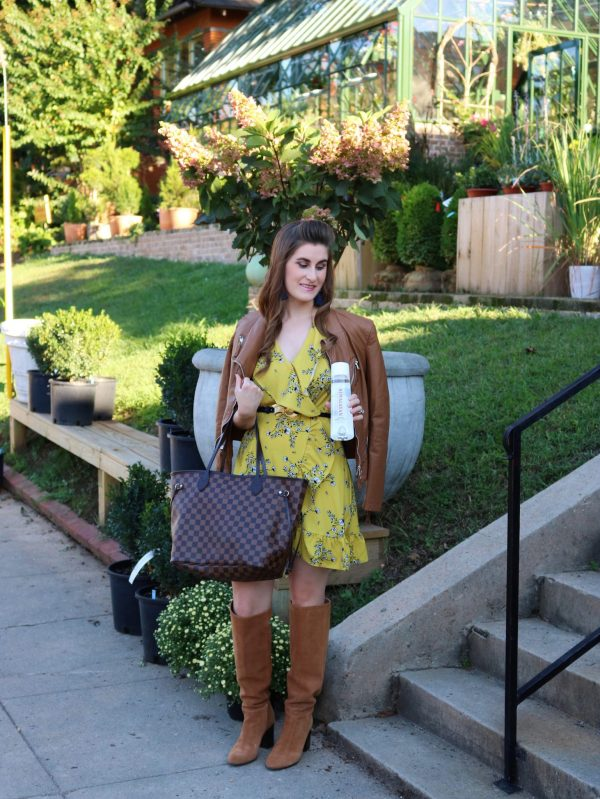 Himalayan Water   fashion on the go   fashion on the go outfit   what's in my purse   what's in my bag  whats in my purse essentials   yellow fall outfits   yellow fall outfits mustard