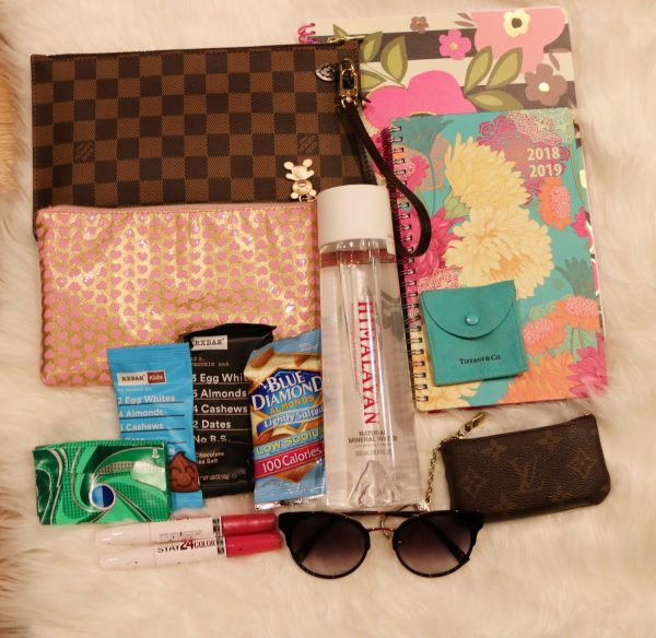 Himalayan Water | fashion on the go | fashion on the go outfit | what's in my purse | what's in my bag| whats in my purse essentials