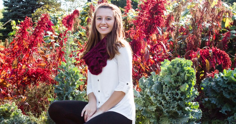 Its Time for Senior Pictures In Toledo; Don't Delay, Let aByrdseyephoto capture you!
