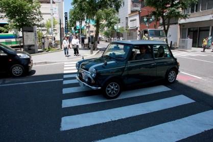 松本城から徒歩数分の所に大手門立体駐車場があります。南棟と北棟、平面の大型車用駐車場もありますので積車もOK。Photo:T.G.
