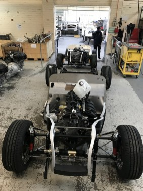3 Rolling chassis