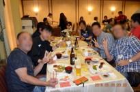 生ビールも飲み放題!皆さんノリも良いですね。Photo:A.T.