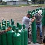 Mailza, Gladson e Alcolumbre enviam 50 cilindros de oxigênio doados por artistas para Manaus