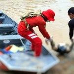 Bombeiros encontram corpo de jovem que tentou atravessar Rio Acre a nado na Capital