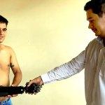 Acreano cria braço robótico para ajudar deficientes e pede ajuda para terminar projeto