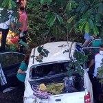 Quatro adultos e uma criança ficam feridos em acidente na BR-364