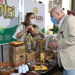 3- Amostra de produtos da indústri acreana ao embaixador peruano