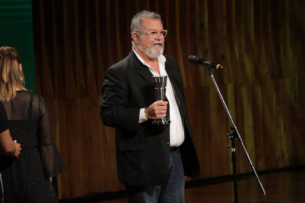 """Alberto Moccia recibe el premio a Mejor Maquillaje y Caracterización por """"Gilda, no me arrepiento de este amor"""""""