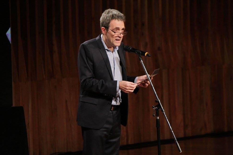 El director del CCK, Gustavo Mozzi, presenta el premio a Mejor Sonido