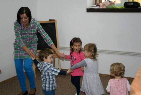activitate playgroup Academia de Creativitate