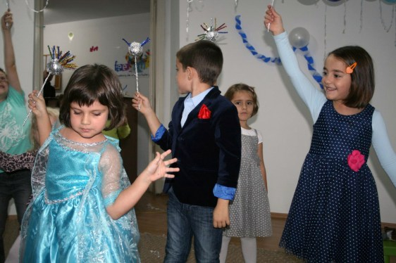 petrecere-tematica-academia-de-creativitate5