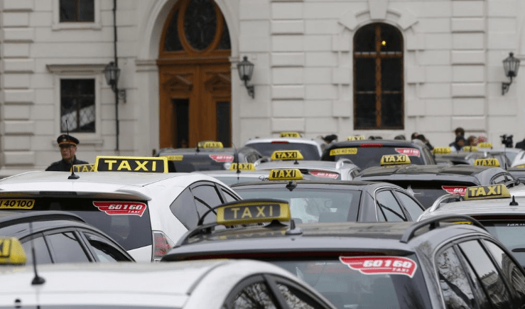 UBER SUSPENDING VIENNA OPERATIONS AFTER COURT INJUCTIONS