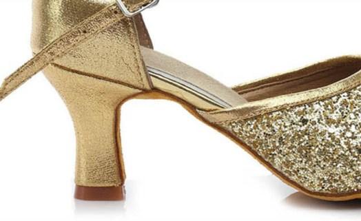 Tacão do sapato de dança de senhora Praga