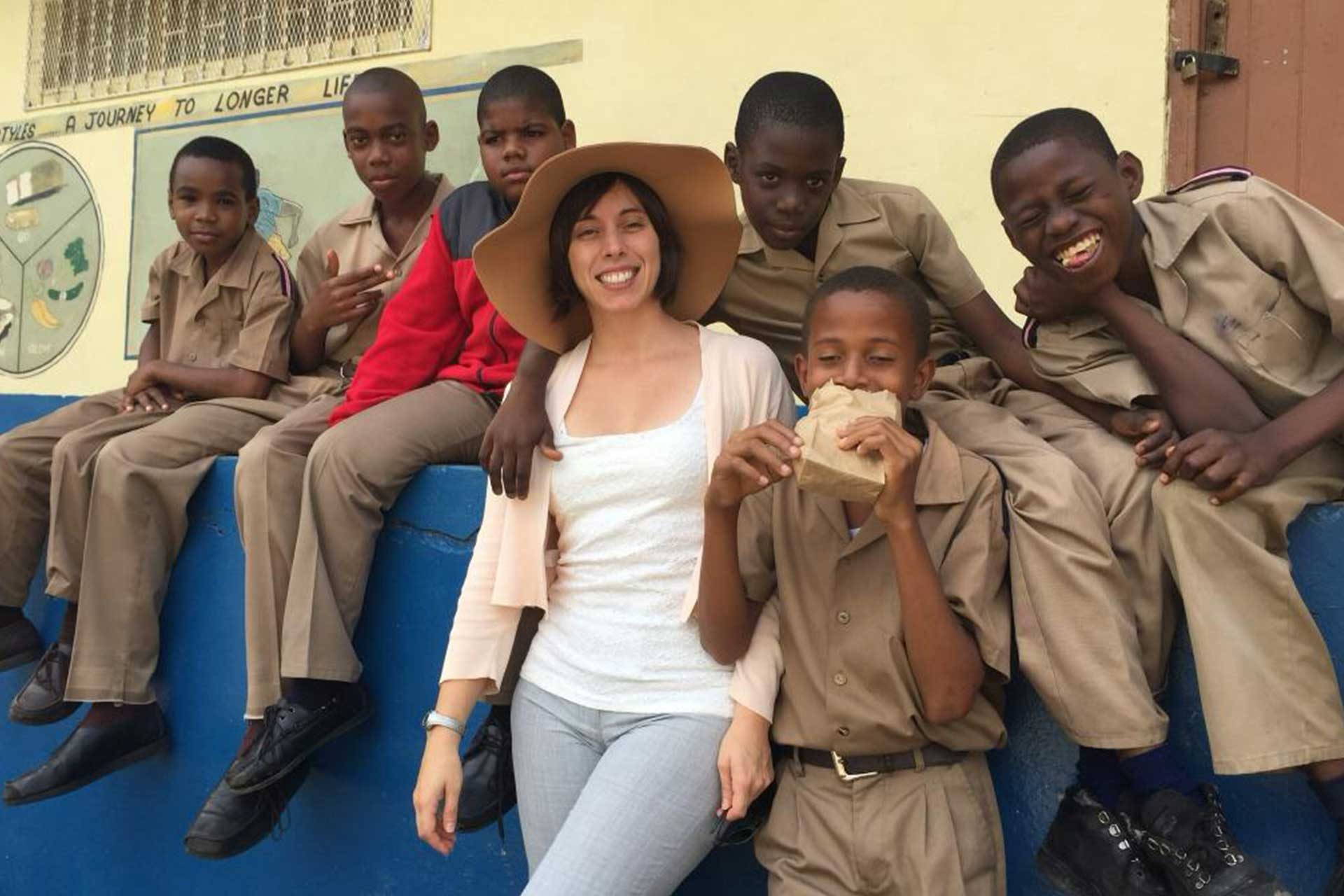 us federal government helping developing countries through peace corps