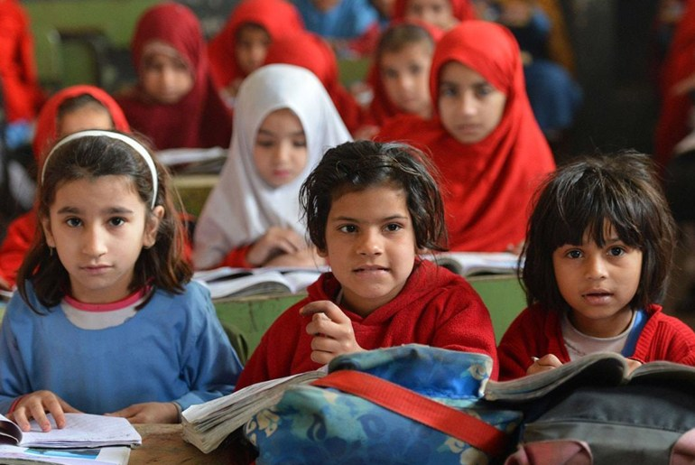 Pakistan's Learning Poverty: CHILDREN AT A PAKISTANI SCHOOL