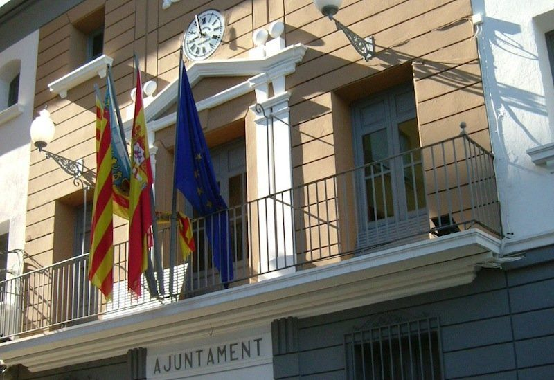 Ayuntamiento Pedreguer – OEP 2020. Una plaza de Auxiliar Administrativo, una plaza de Policía Local y otros.
