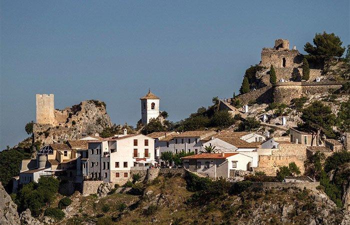 Ayuntamiento de El Castell de Guadalest – Oferta de Empleo Público – 1 plaza de Auxiliar Administrativo.