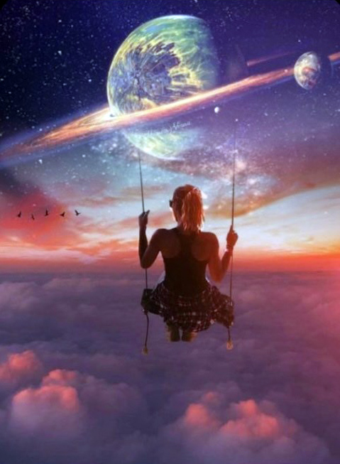 représentation d'une femme sur une balançoire au dessus des nuage et devant Saturne