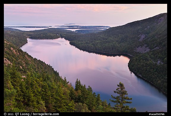QT Luong photo of Jordan Pond at sunset, Acadia National Park