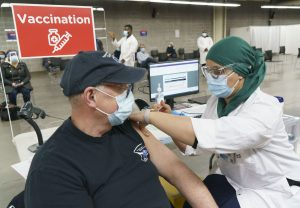 Ottawa espère pouvoir distribuer des doses du vaccin d'AstraZeneca cette semaine