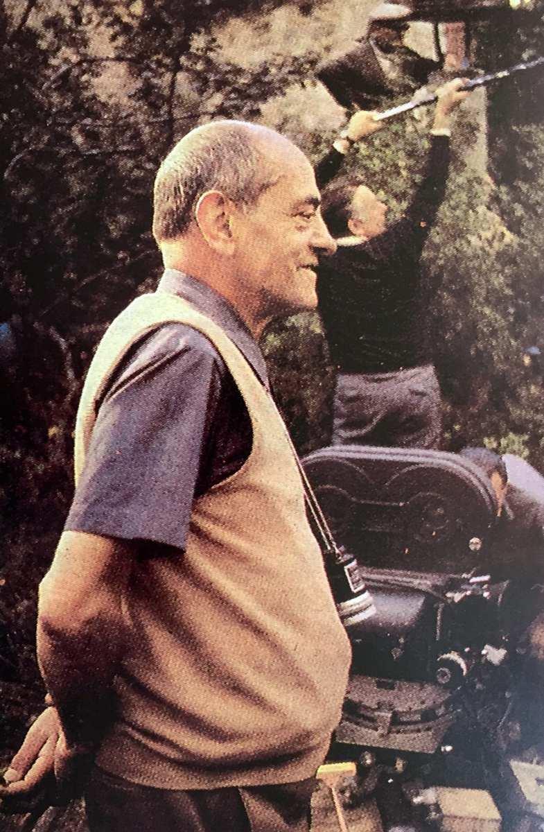 """Luis Buñuel en el rodaje de """"La vía láctea"""" 1.969"""