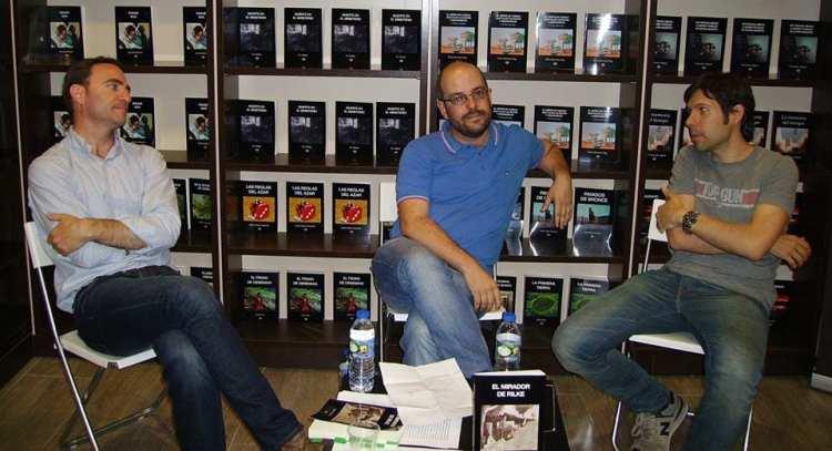 De izquierda a derecha: Miguel Ángel Ballesteros, Carlos Rodrigo y Pedro Iznaola