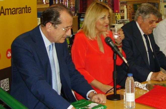 De izquierda a derecha Santiago Cardelús, Ana Francés y Antonio Francés