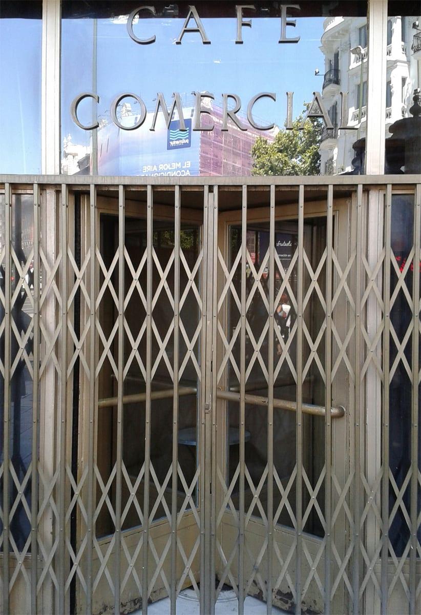 Café Comercial Madrid cerrado