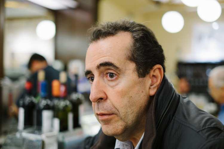 «Vidas en el margen»: Carlos de Tomás regresa con su mejor prosa