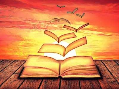 Páginas de un libro volando