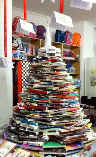 Escaparate Librería Calle Navidad 2016 ELena Dream Factory (1)