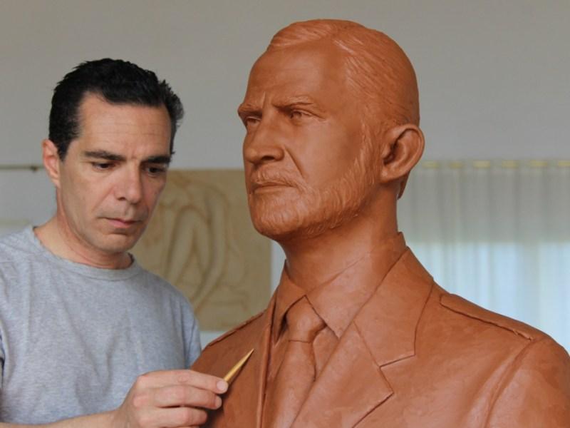 Salvador Amaya: El escultor del coraje y la dignidad