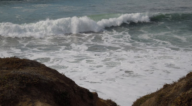 Waves Breaking on Moonstone Beach, Cambria, 1-19-14, © B. Radisavljevic