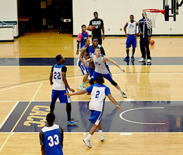 Athletics Photo Of Gbc Lightning Mens Basketball Players