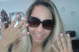 Mulher Melão coloca fio de ouro na unha para o Natal: 'Combina com minha fase ostentação'