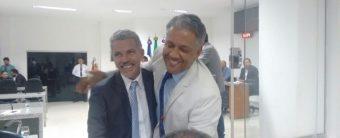 Mesmo reconhecendo a derrota, vereadores licenciados são reempossados para votarem na eleição da Casa Aprígio Duarte