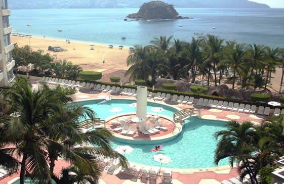 Alberca del Playa Suites Acapulco