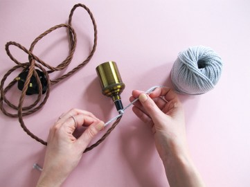DIY Comment réaliser une lampe baladeuse en macramé// How to make a macrame lamp // A Cardboard Dream blog