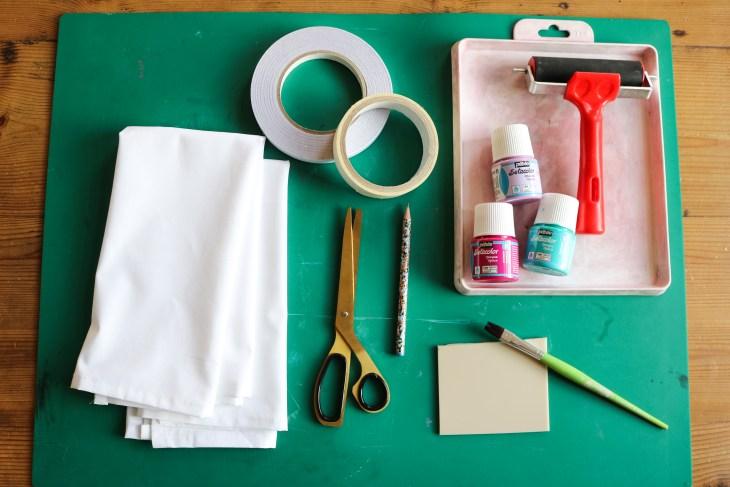 DIY // Imprimer des serviettes à motifs graphiques // How to hand print towels // A Cardboard Dream Blog