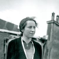 """Estudos Filosóficos: """"A Banalidade do Mal e sua tenebrosa atualidade"""" - Reflexões na companhia de Hannah Arendt & Stanley Milgram"""