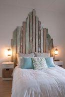 Le assi di legno, con le loro diverse sfumature di colore sono perfette per un'atmosfera country chic