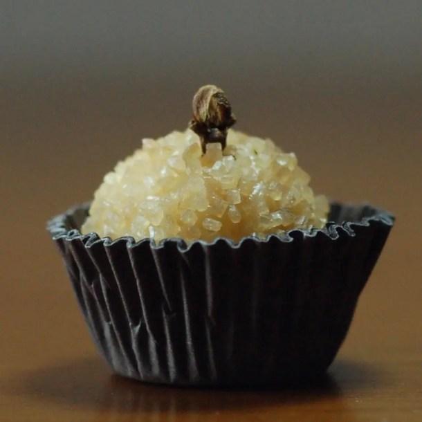 receita de beijinho de coco, docinho de aniversário