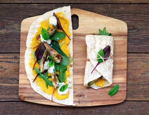 Wrap mit Karottenhummus und Artischocken