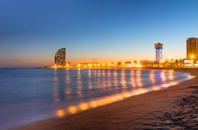 beach-in-barcelona-during-sunset-PAWU9D9